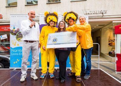 Großzügige Spende des Lions-Entencup 2016