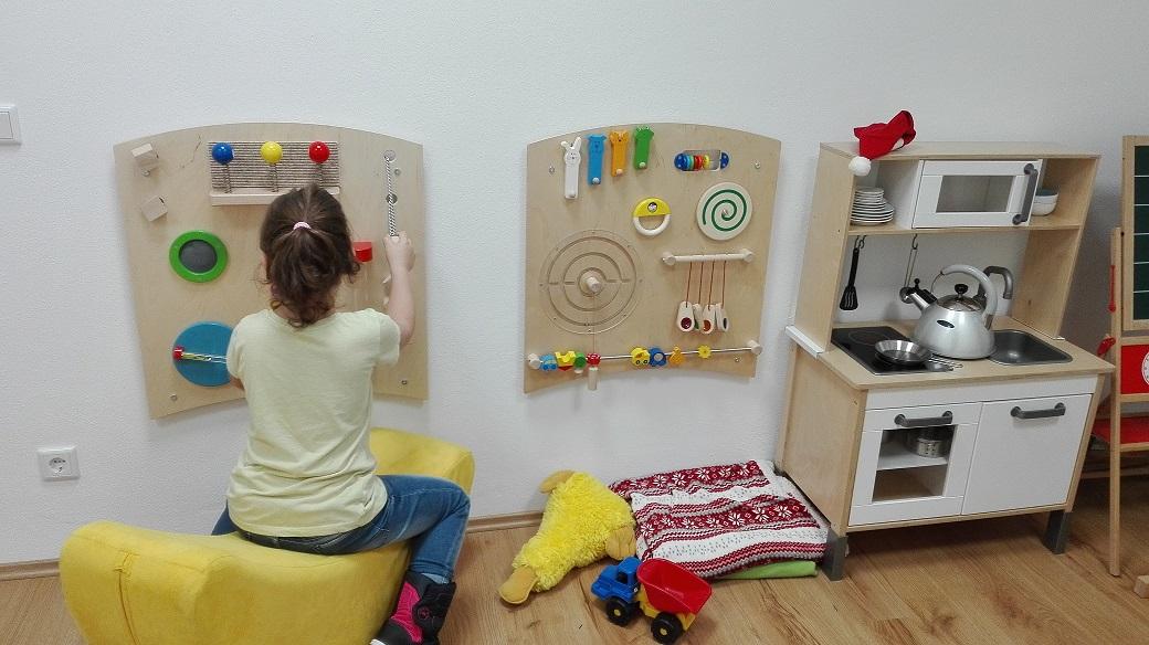 Lions Club ermöglicht Lernwand für Kinder